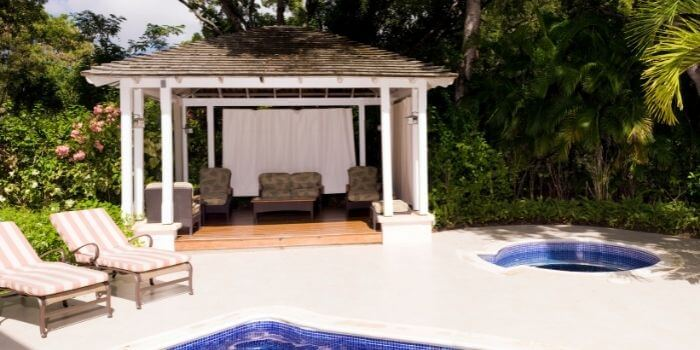 How to Make Your Outdoor Space Cozy and Inviting?